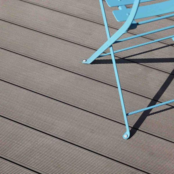 Visuel Lame de Terrasse Essentielle Alvéolaire Twinson® 4000 x 140 x 28 mm Brun noisette