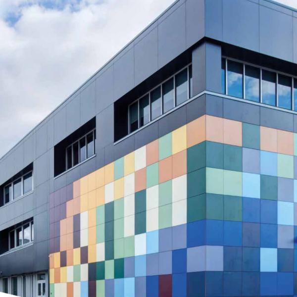 Visuel Panneau de façade HPL Fundermax® 2800 x 1300 x 6 mm Gris anthracite